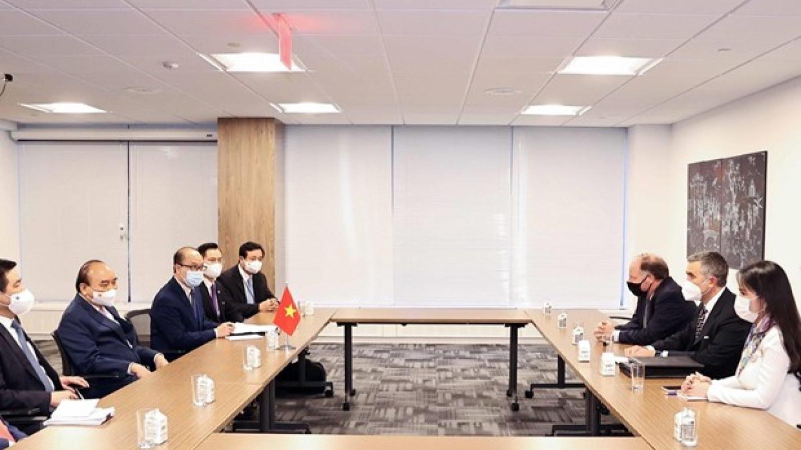 President Phuc receives leaders of US enterprises in New York