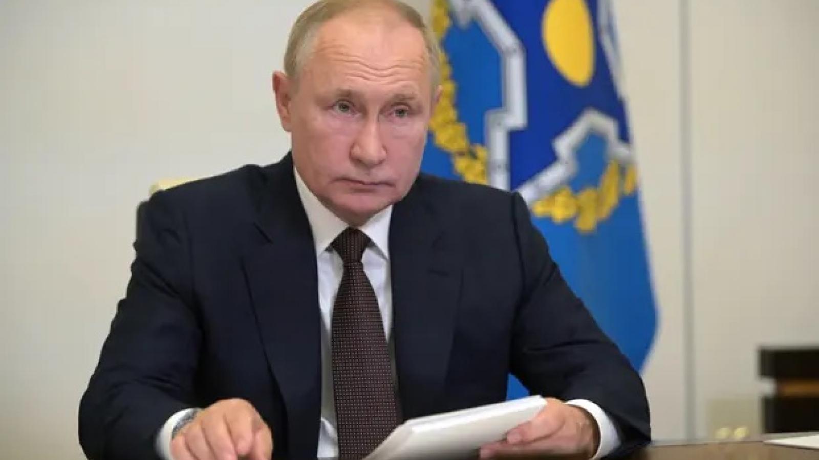 Tổng thống Nga Putin khẳng định hàng chục quan chức điện Kremlin mắc Covid-19