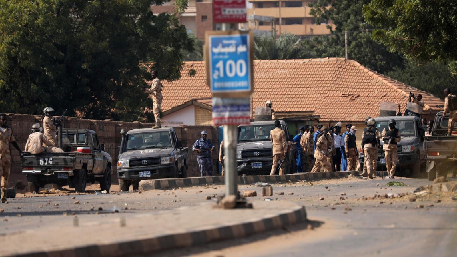 Sudan bắt giữ 40 sĩ quan âm mưu đảo chính