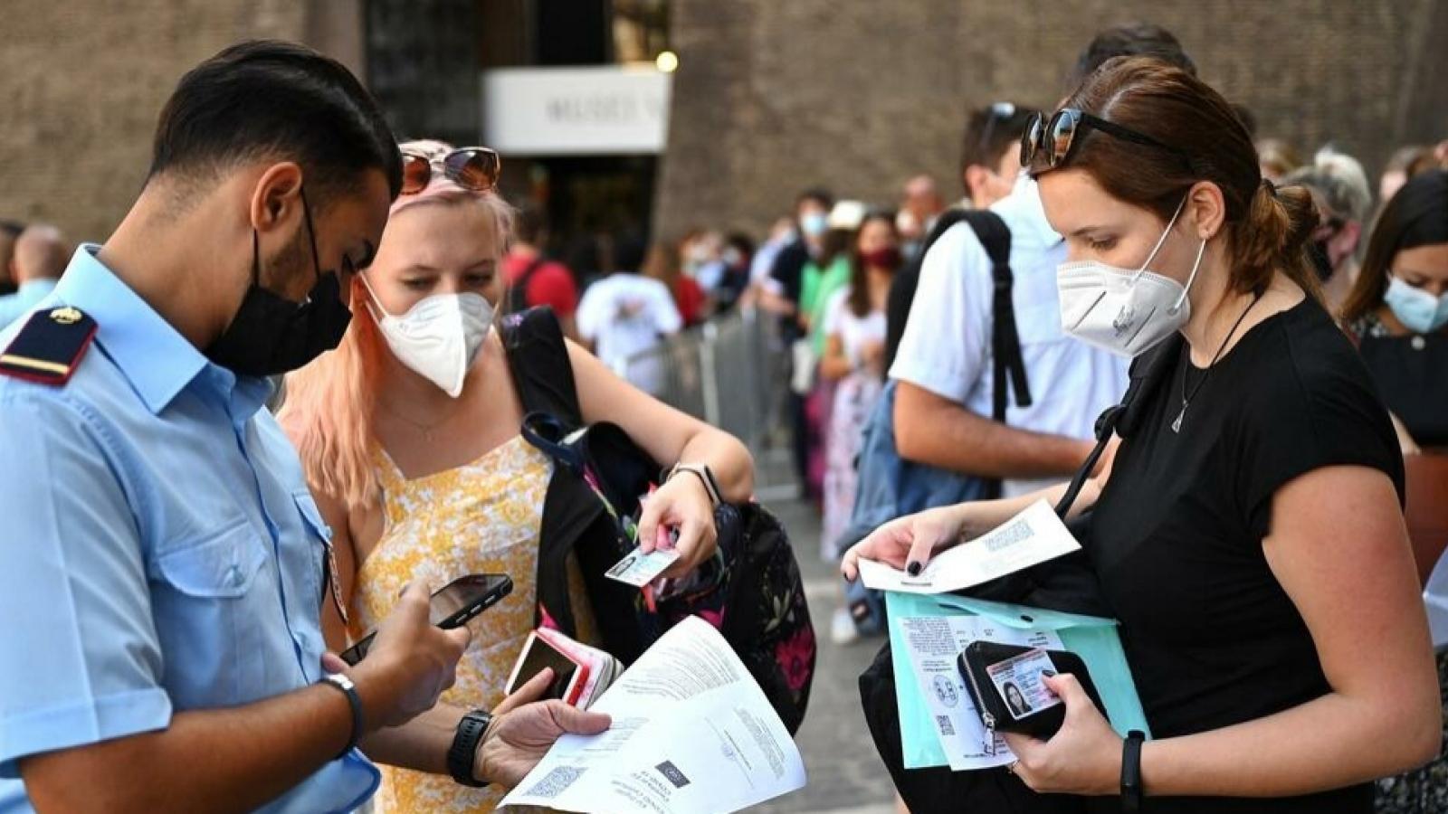 Italy yêu cầu bắt buộc người lao động phải có thẻ xanh Covid-19