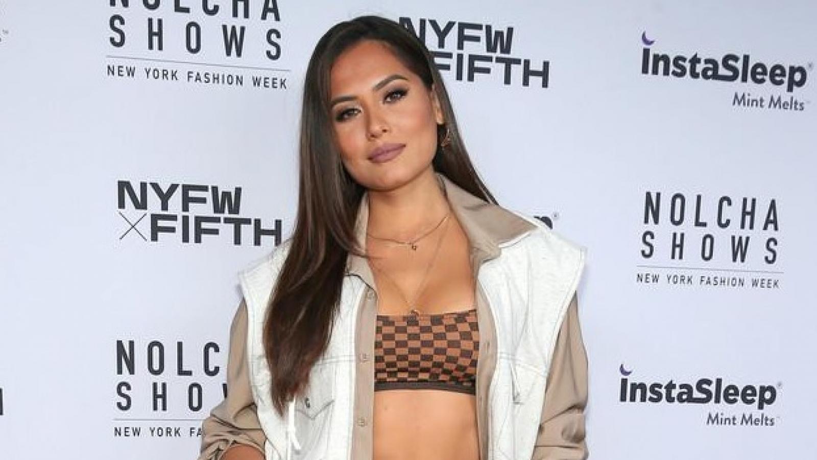 Hoa hậu Hoàn vũ 2020 Andrea Meza tái xuất gợi cảm tại Tuần lễ thời trang New York