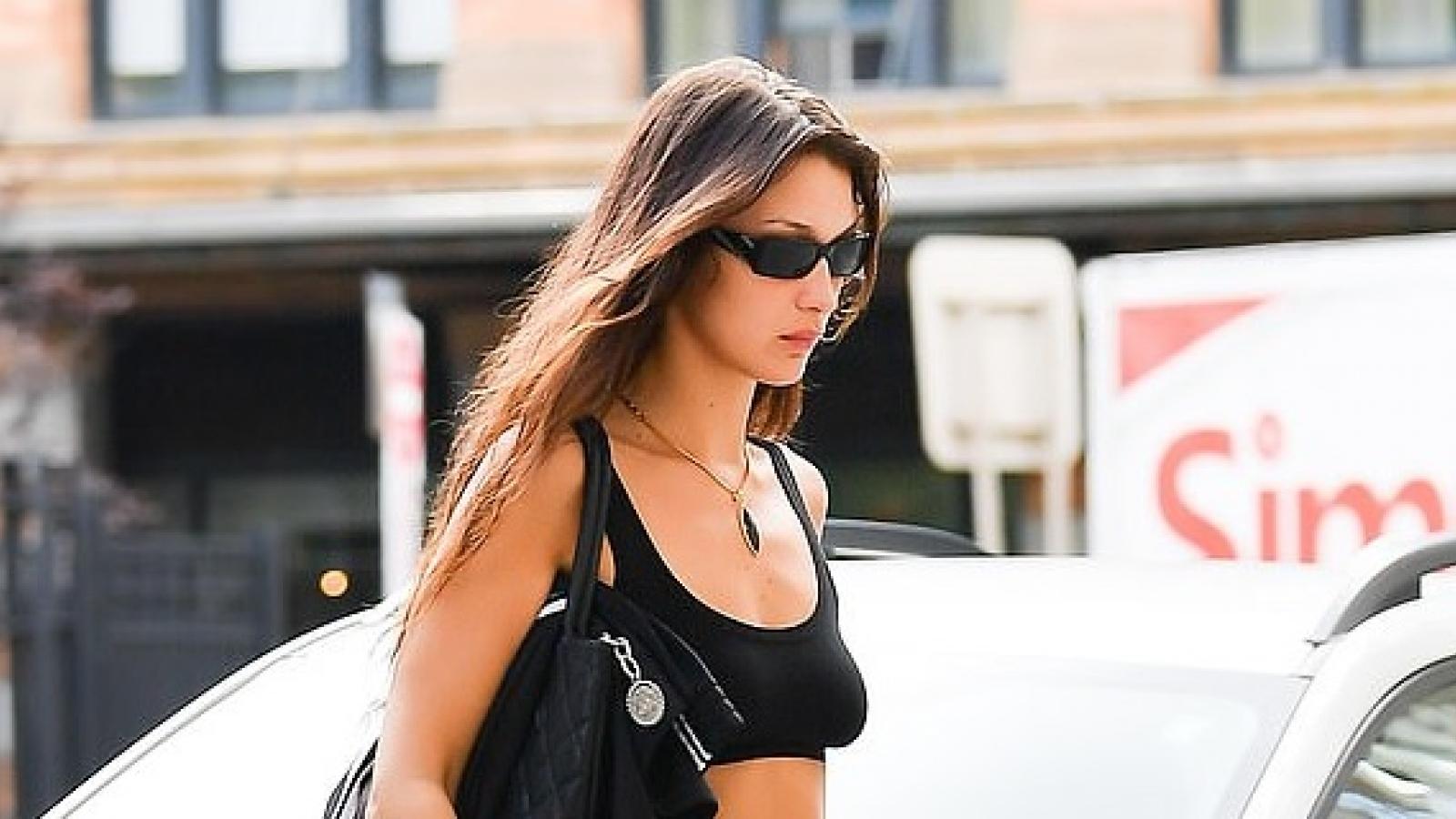 Bella Hadid khoe body nóng bỏng hút mắt trên đường phố New York