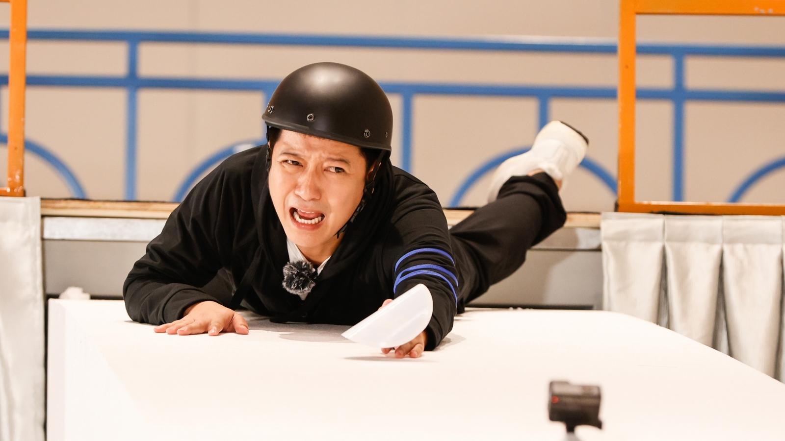 Trường Giang bị bao vây tứ phía, Lan Ngọc lộ biểu cảm hài hước trong Running Man Vietnam