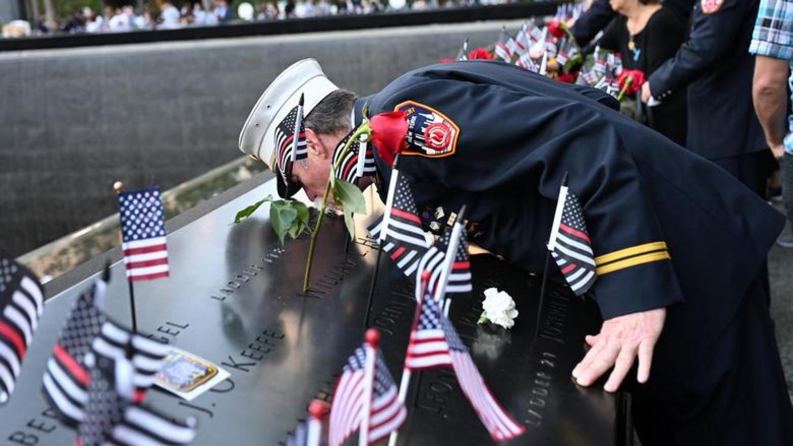 Lễ tưởng niệm 20 năm vụ tấn công khủng bố 11/9 nhiều cảm xúc của toàn nước Mỹ