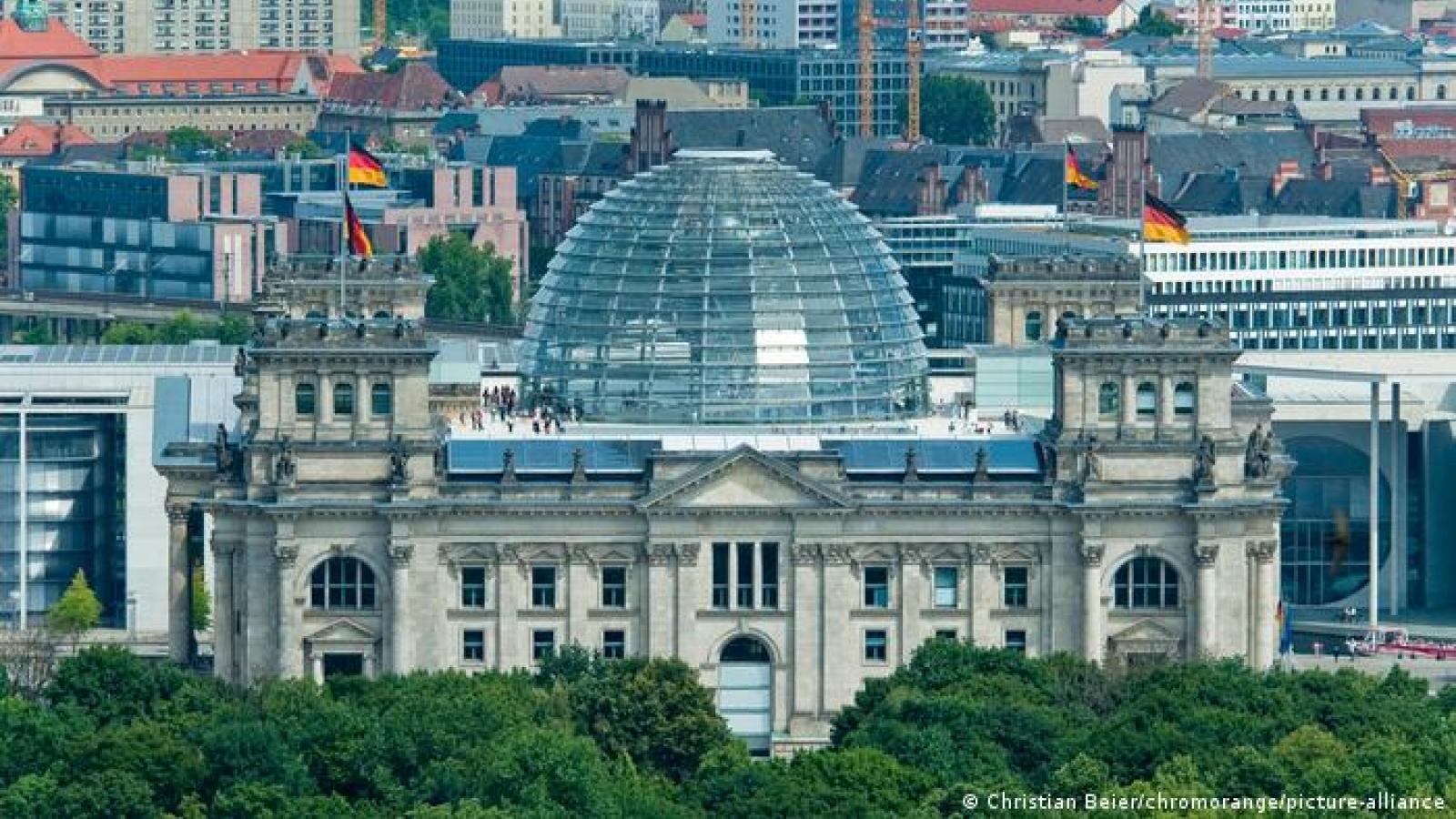 """Thủ tướng kế nhiệm của nước Đức: Vượt qua """"cái bóng"""" của Merkel hay trở thành Merkel 2.0?"""