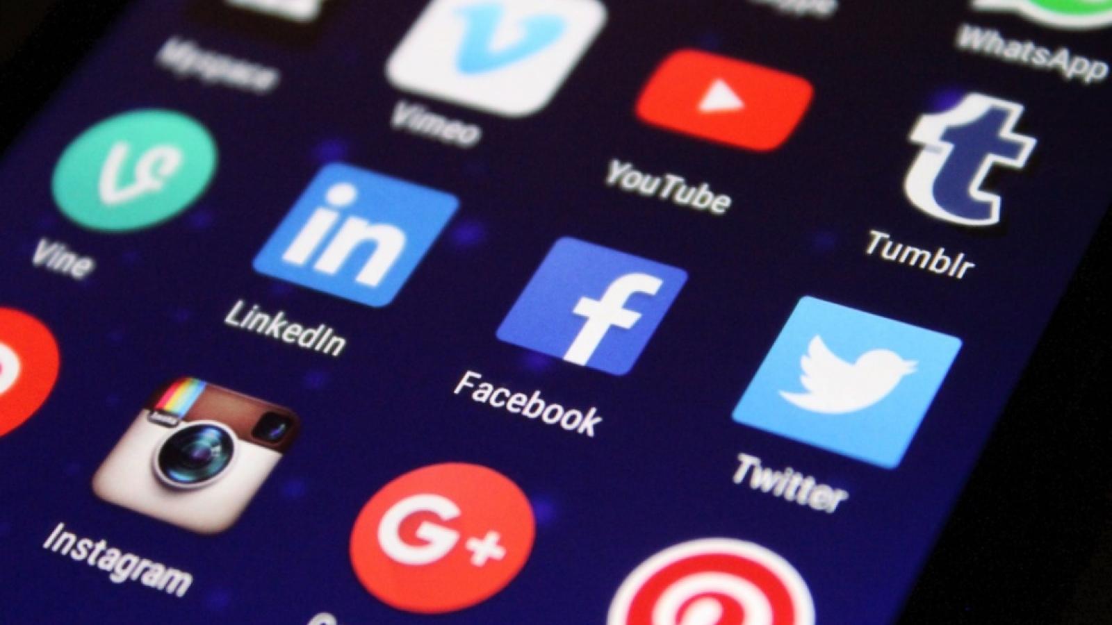 Nhật Bản tăng cường răn đe hành vi bắt nạt trên mạng xã hội