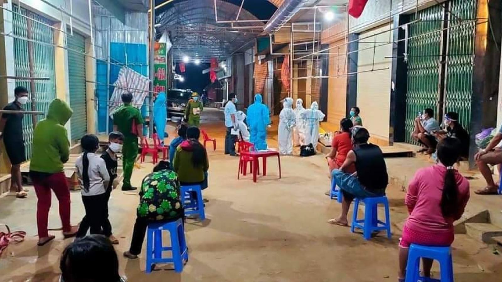 Ba học sinh thành F0, huyện miền núi Nghệ An dừng dạy học