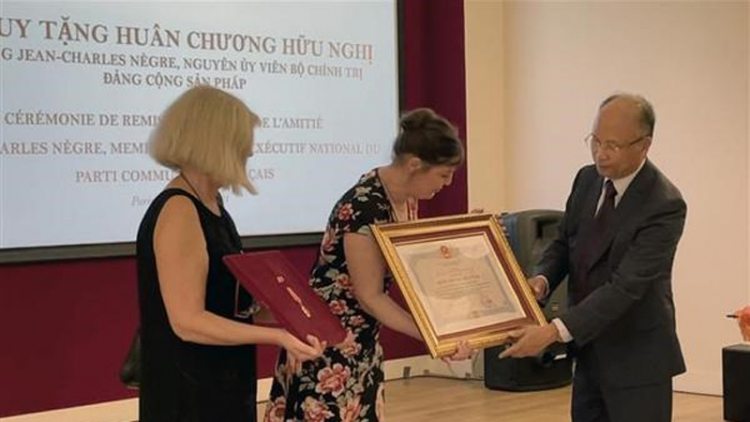 Vietnam's Friendship Order posthumously awarded to PCF official