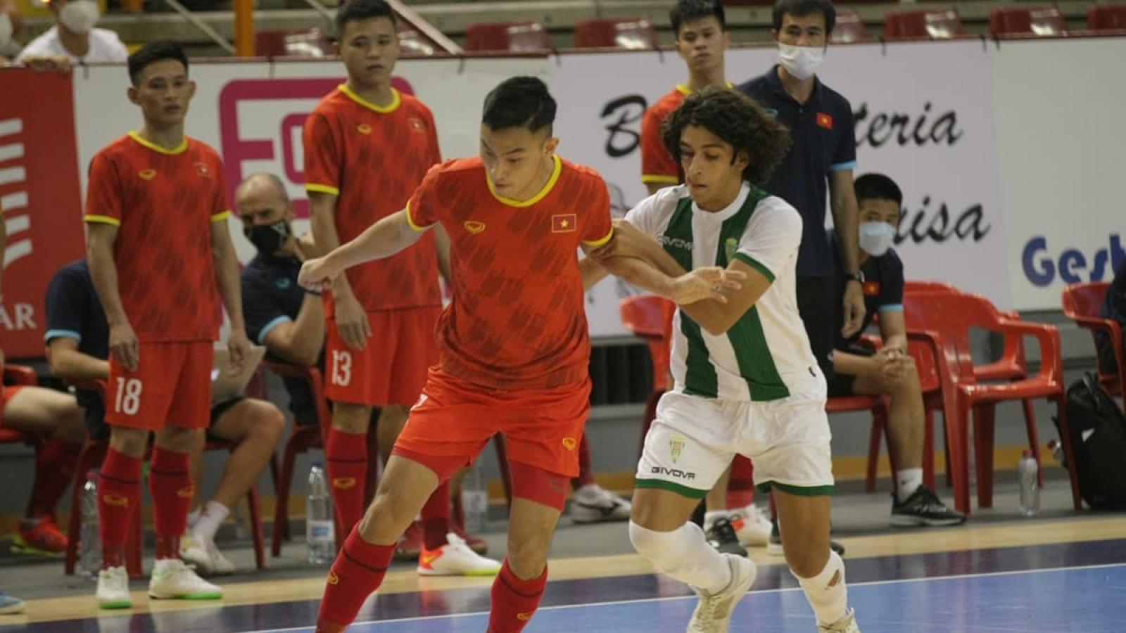 Vietnam draw against leading Spanish team in futsal tournament