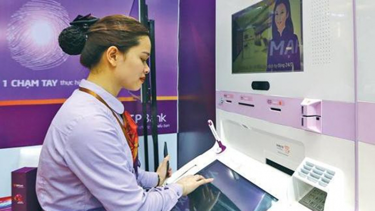 Digital transformation to optimize banking activities