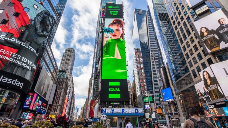 Vietnamese singer picked by Spotify for NYC Times Square billboard