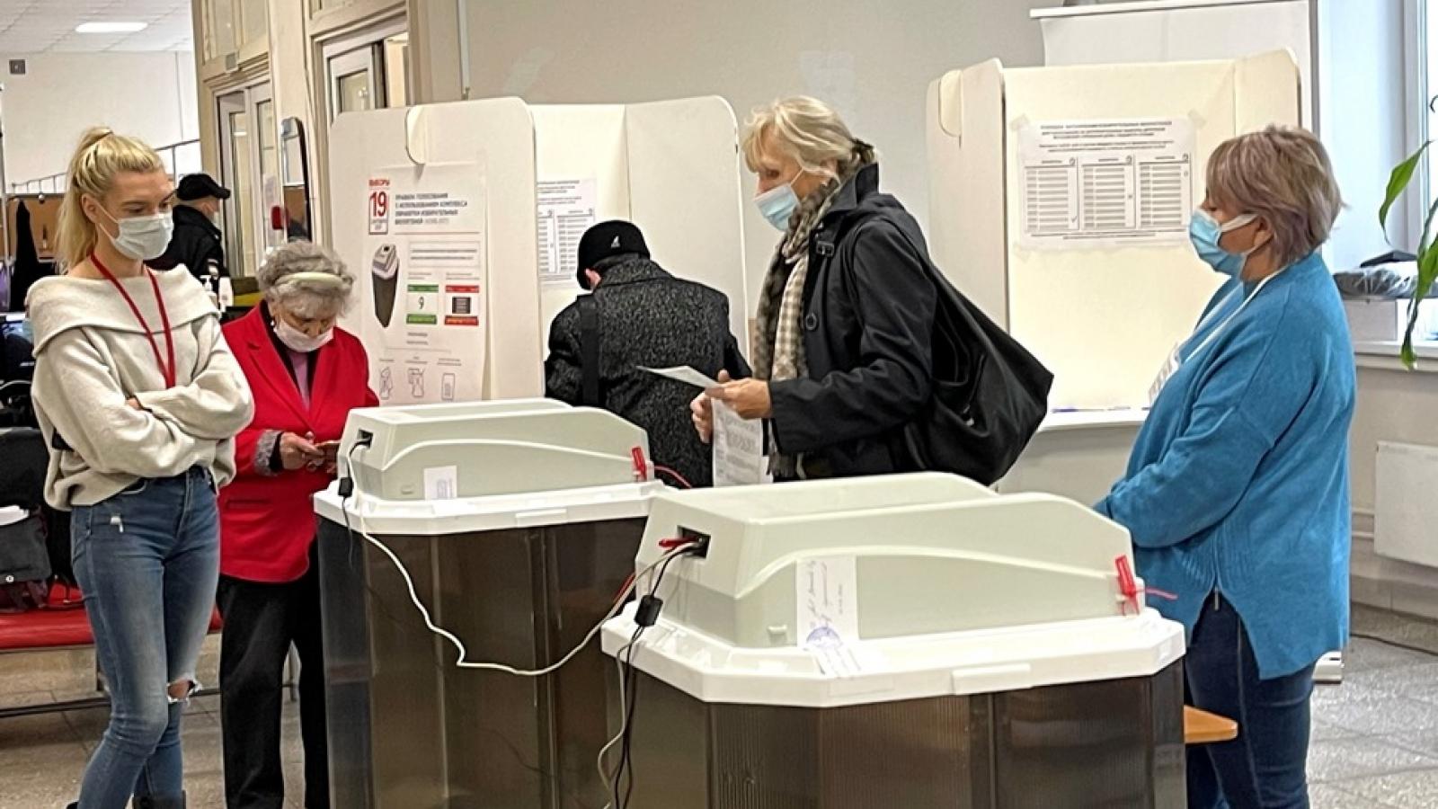 Quốc tế đánh giá tích cực cuộc bầu cử vào Duma quốc gia Nga