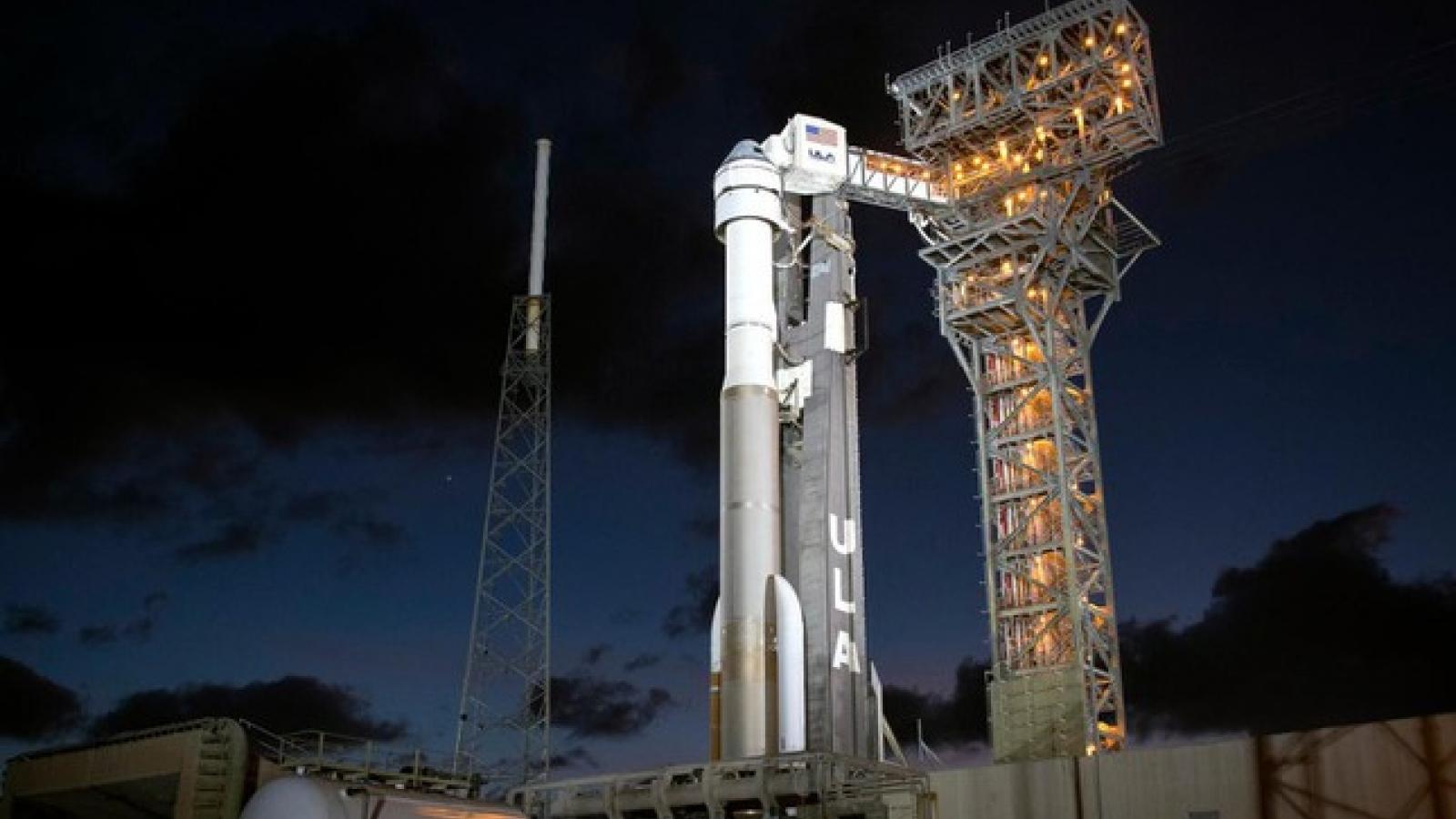Boeing lại gặp khó trong cuộc đua đưa người vào vũ trụ với công ty của tỷ phú Elon Musk