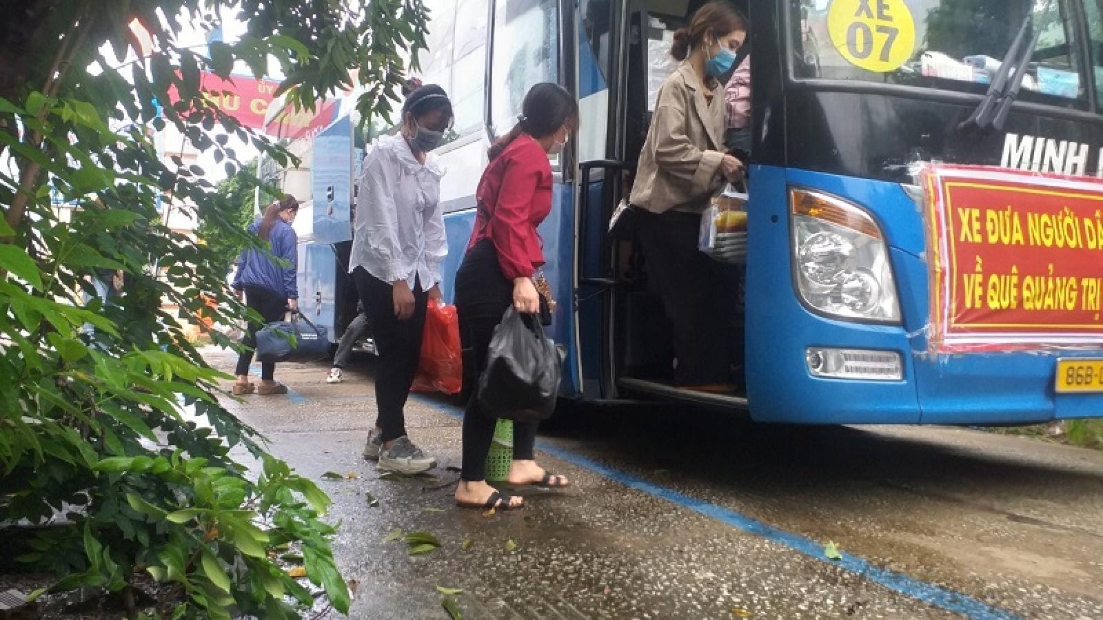 """Bình Thuận đưa 15 người """"thông chốt"""" kiểm soát dịch bằng xe đông lạnh về quê"""