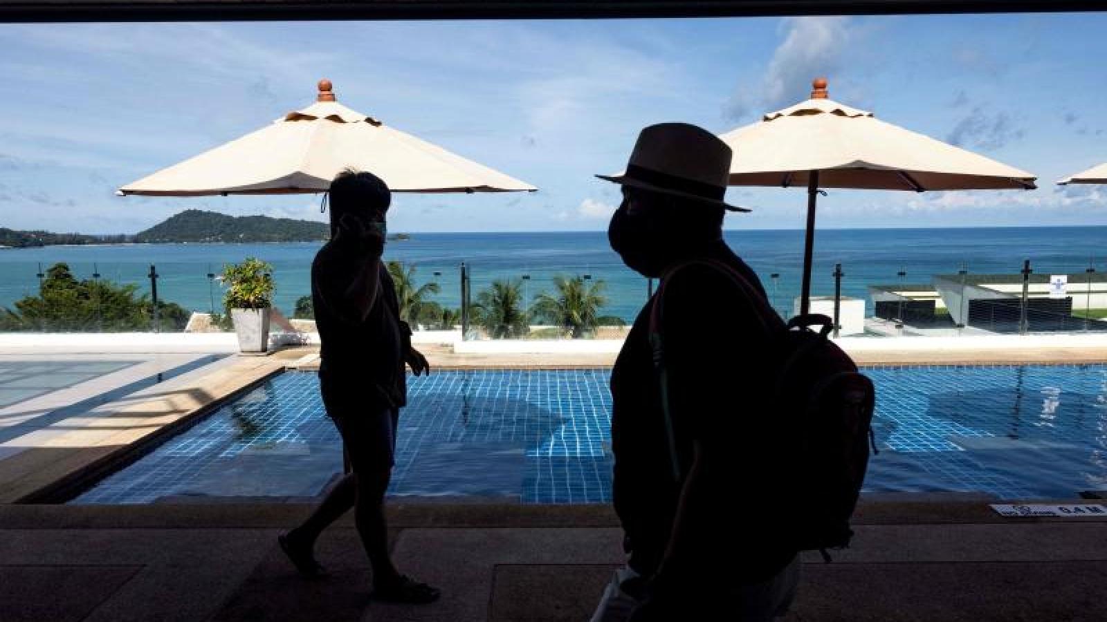 Phuket sẽ tiêm mũi tăng cường để mở cửa du lịch hoàn toàn