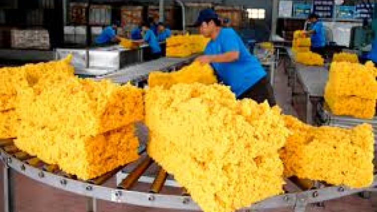 Vietnam rakes in more than US$3.1 billion from exports to Cambodia