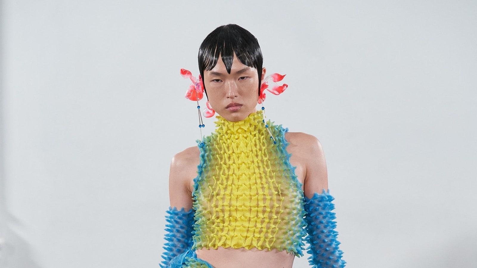 7 nhà thiết kế trẻ là tương lai của thời trang London