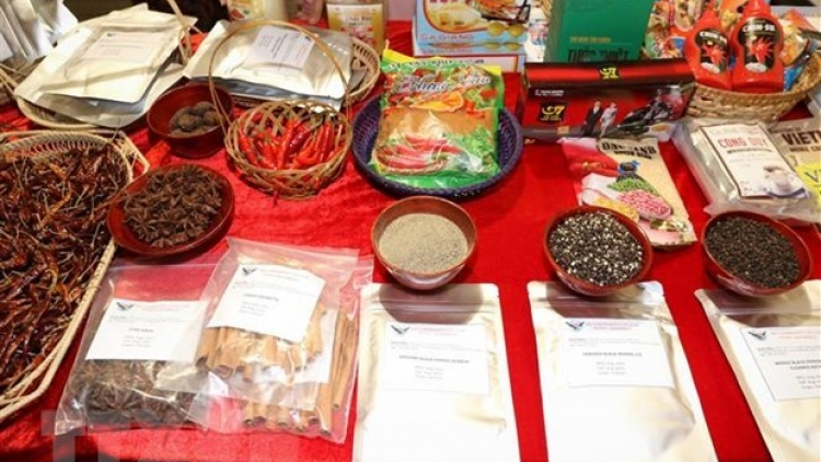 Vietnamese farm produce introduced at chili fest in Italy