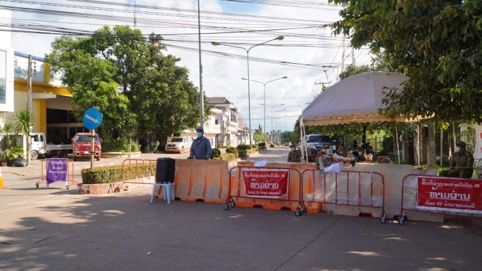 Số ca Covid-19 cộng đồng ở Lào tăng cao, Australia sợ bệnh viện quá tải khi dỡ phong tỏa