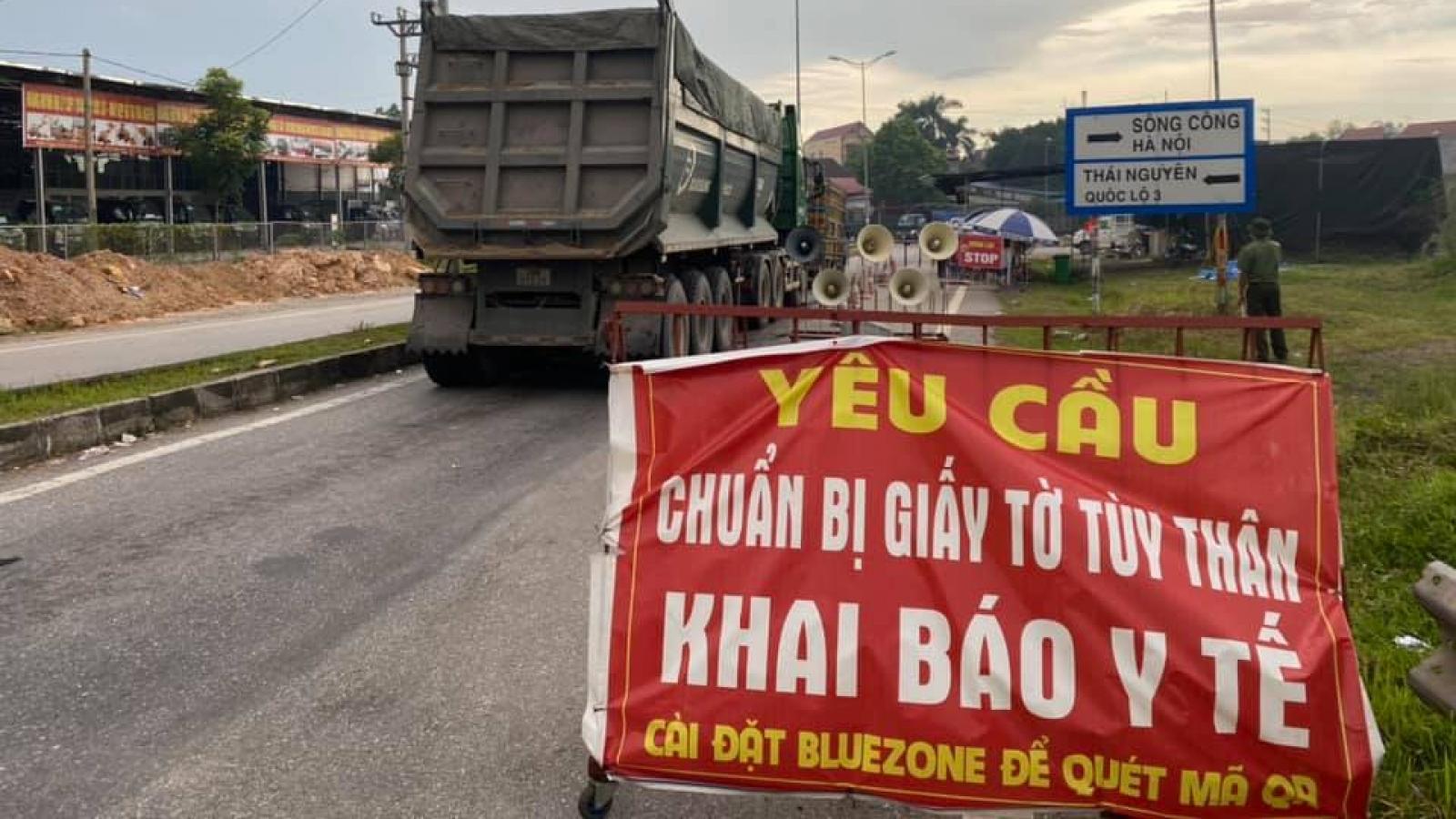 Lãnh đạo Bộ GTVT đột xuất kiểm tra chốt kiểm dịch tại Lạng Sơn, Thái Nguyên