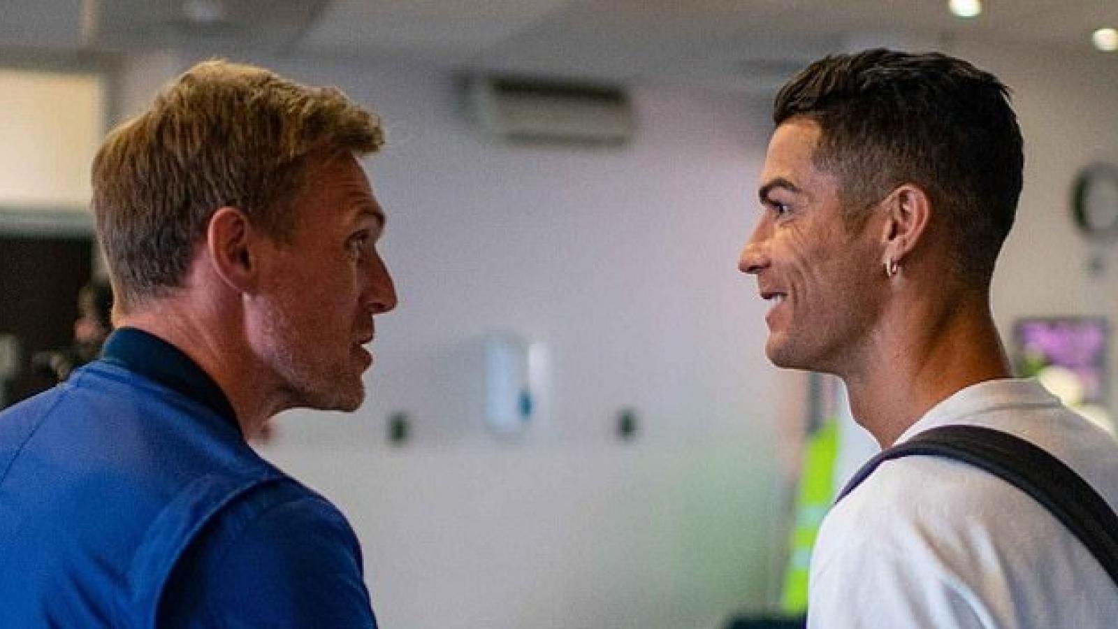 Ronaldo đặt chân đến Manchester, chuẩn bị cho ngày ra mắt MU