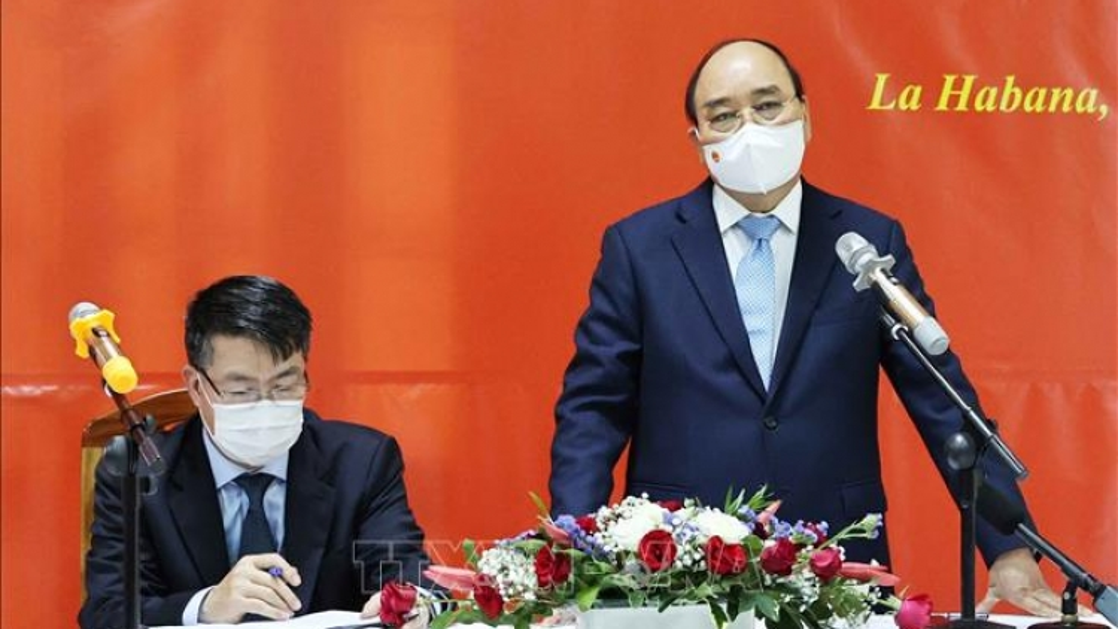 Chủ tịch nước Nguyễn Xuân Phúc gặp gỡ cộng đồng người Việt tại Cuba