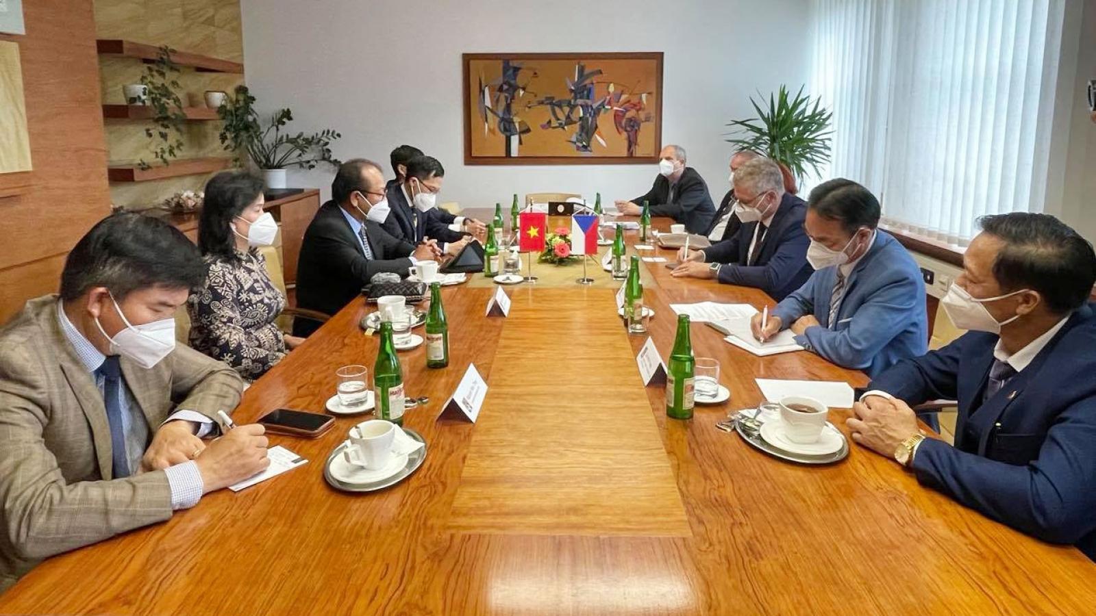 Thúc đẩy hợp tác kinh tế,thương mại, giáo dục giữa Việt Nam và Bắc Morava