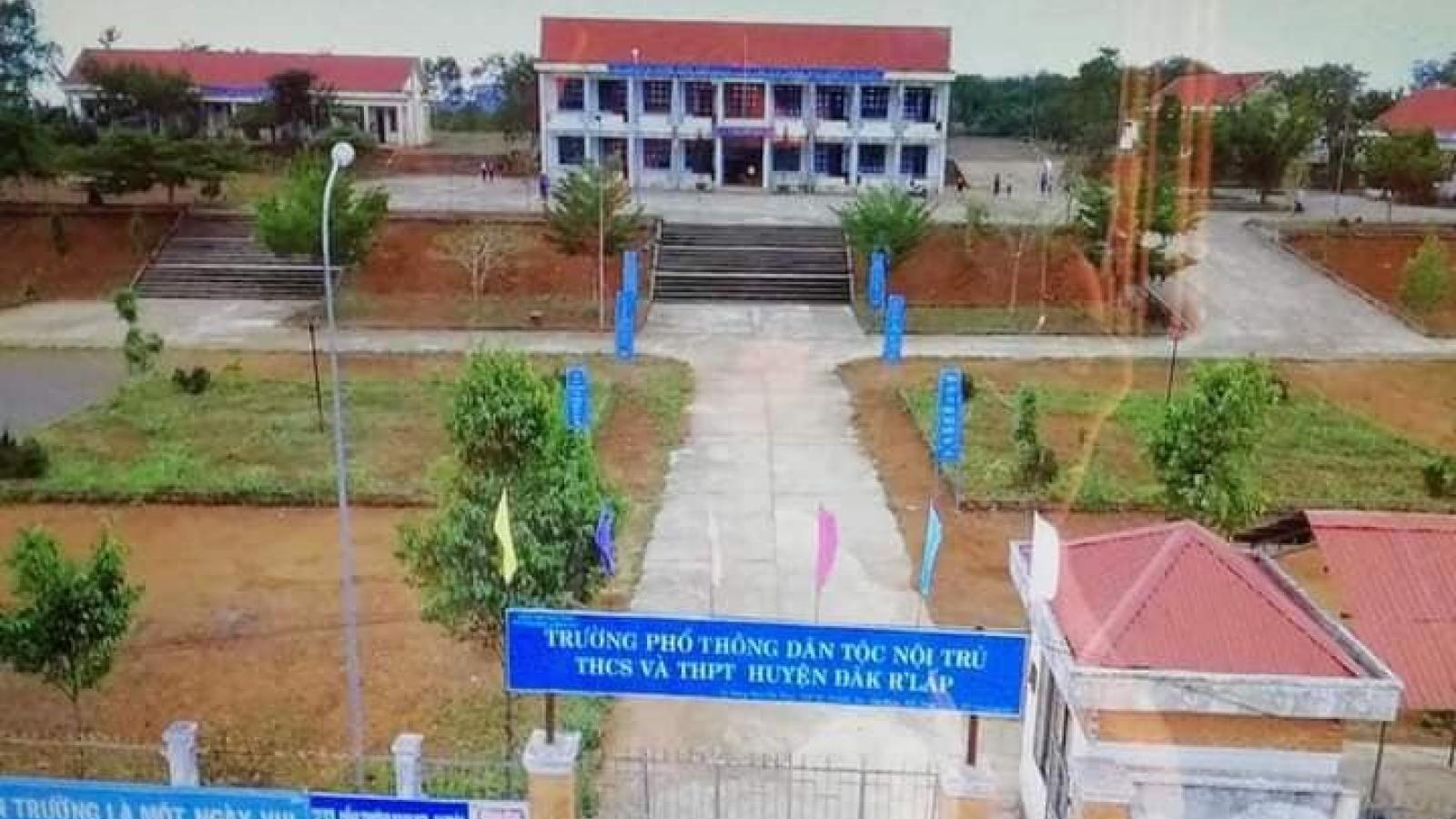 Đắk Nông cách ly hơn 220 học sinh, giáo viên sau lễ khai giảng do có ca dương tính