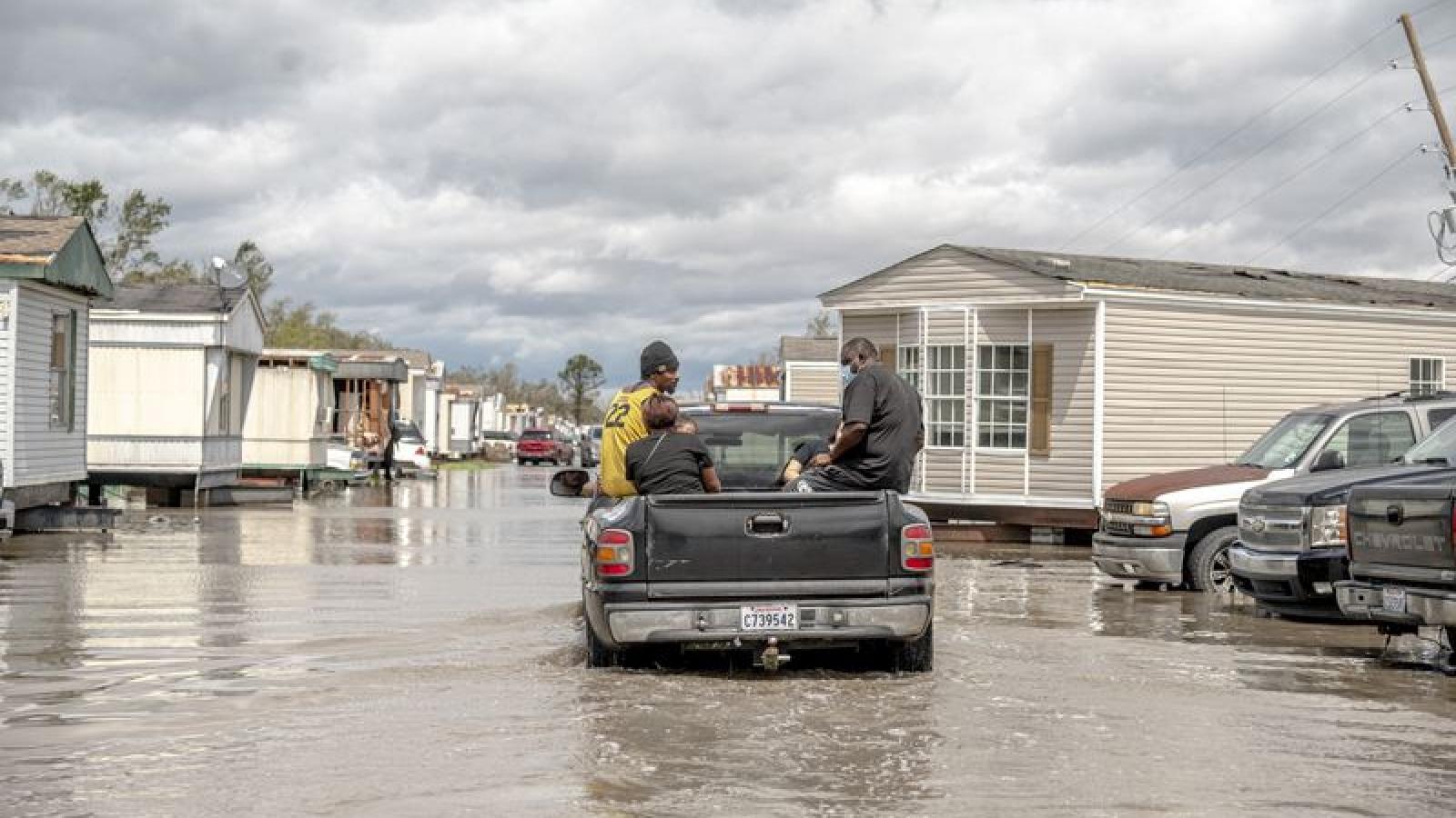 Cháy rừng, lũ lụt khiến nhiều bang của Mỹ phải tuyên bố tình trạng khẩn cấp