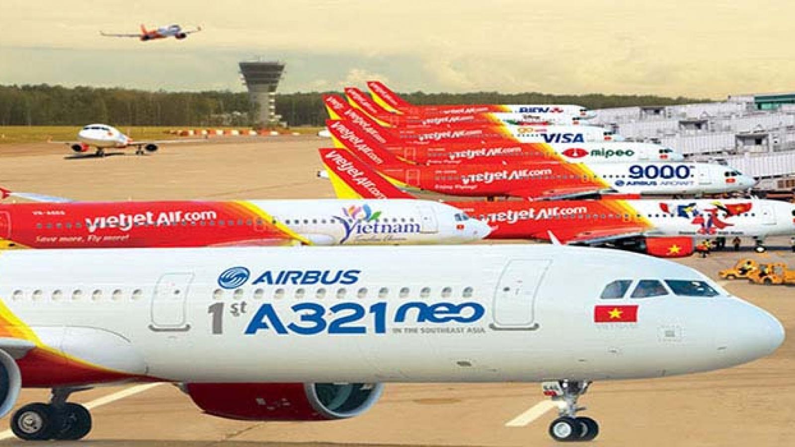 Áp giá sàn vé máy bay: Cần đánh giá tác động với các hãng hàng không