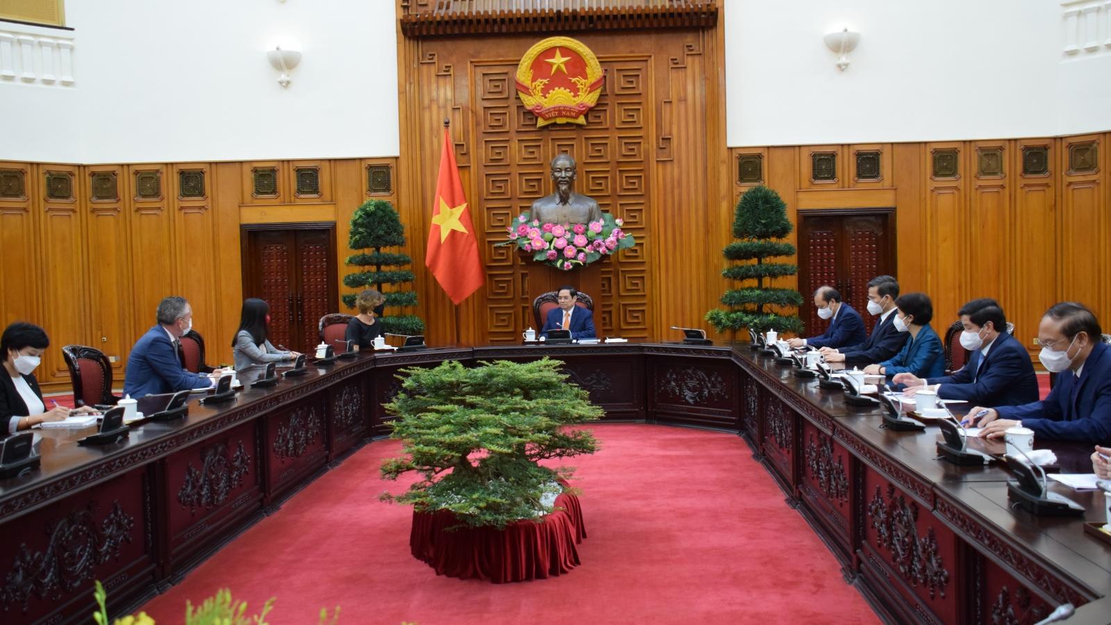 Hà Lan tặng Việt Nam máy thở và số lượng lớn trang thiết bị, vật tư y tế