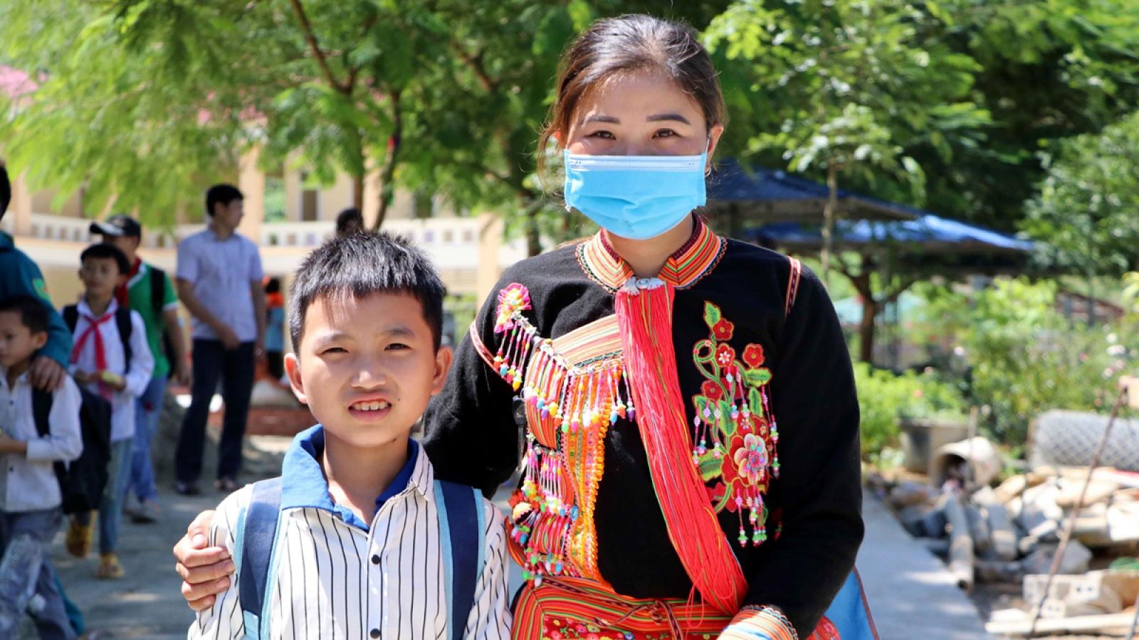 Gian nan đường đến trường của học sinh vùng cao Lai Châu