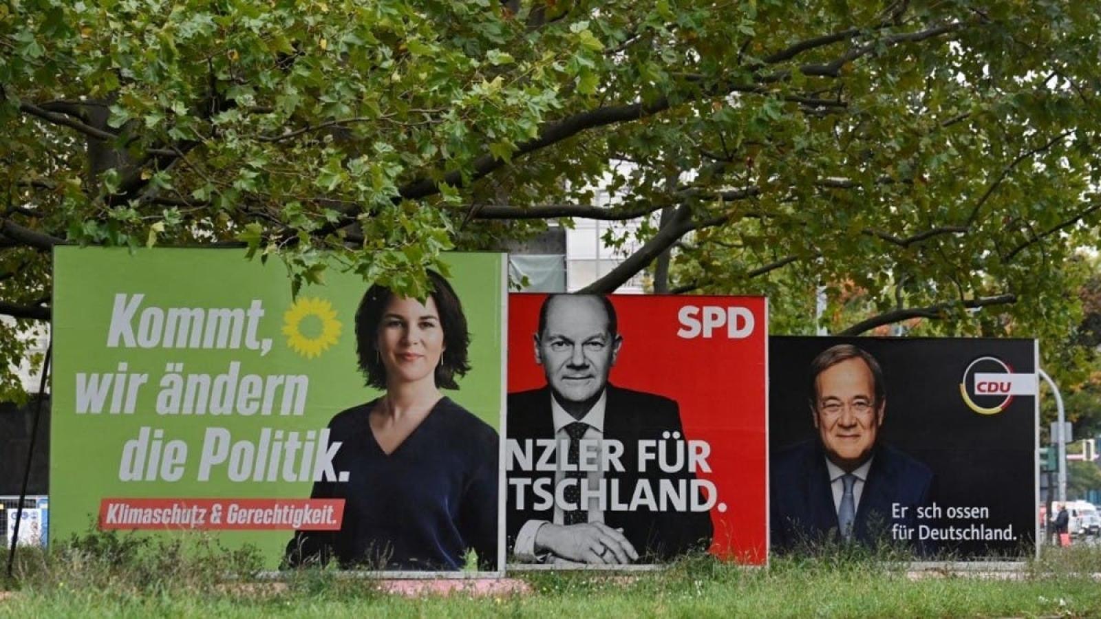 Người dân Đức bắt đầu đi bỏ phiếu