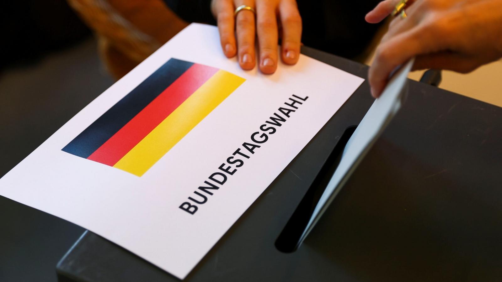 Cử tri Đức bắt đầu bỏ phiếu, 40% vẫn đang lưỡng lự