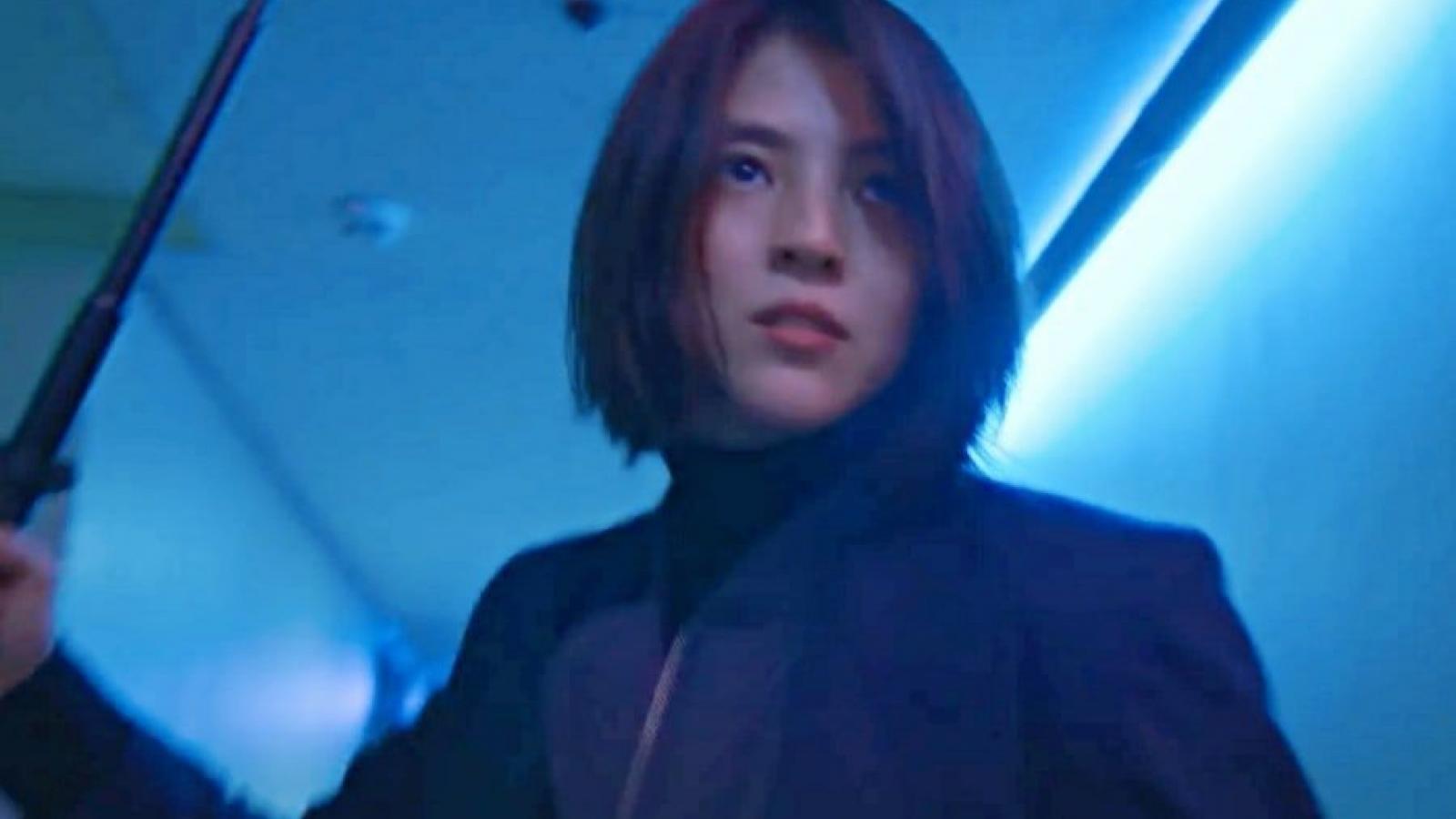 """Han So Hee hoá đả nữ báo thù, """"xử đẹp"""" đám côn đồ trong """"My name"""""""