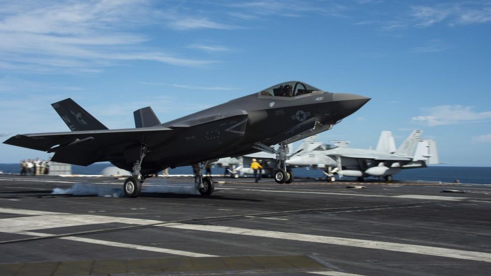 """Có F-35C, tàu sân bay Mỹ như """"hổ mọc thêm cánh"""""""