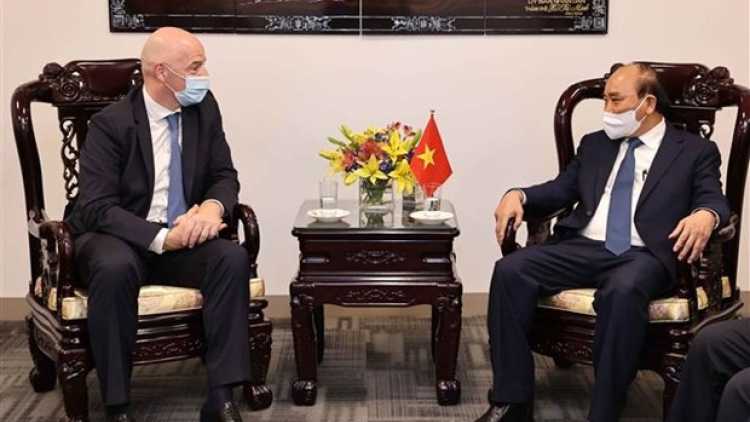 State leader hosts FIFA President in New York