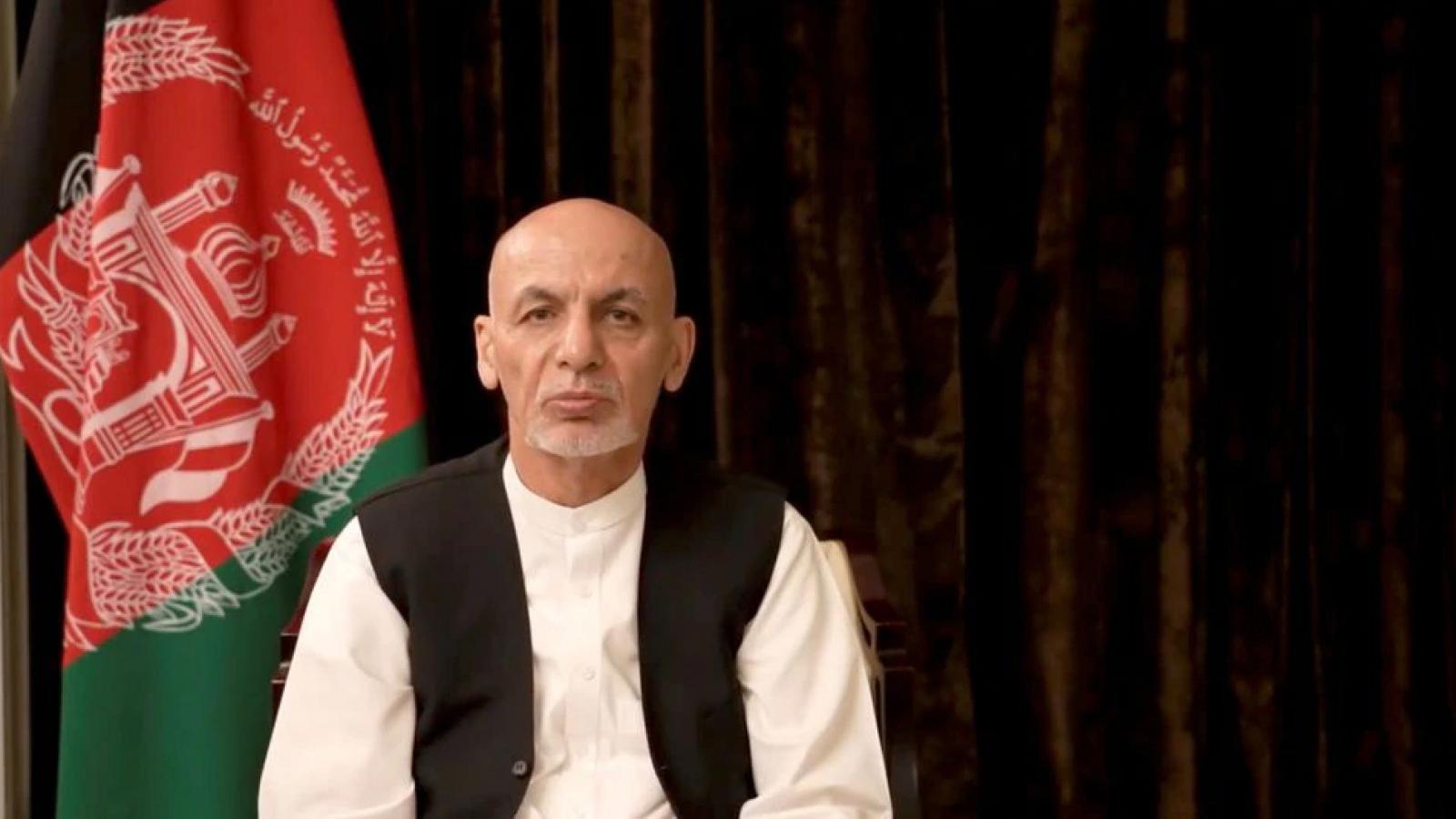 Cựu Tổng thống Afghanistan Ashraf Ghani xin lỗi người dân