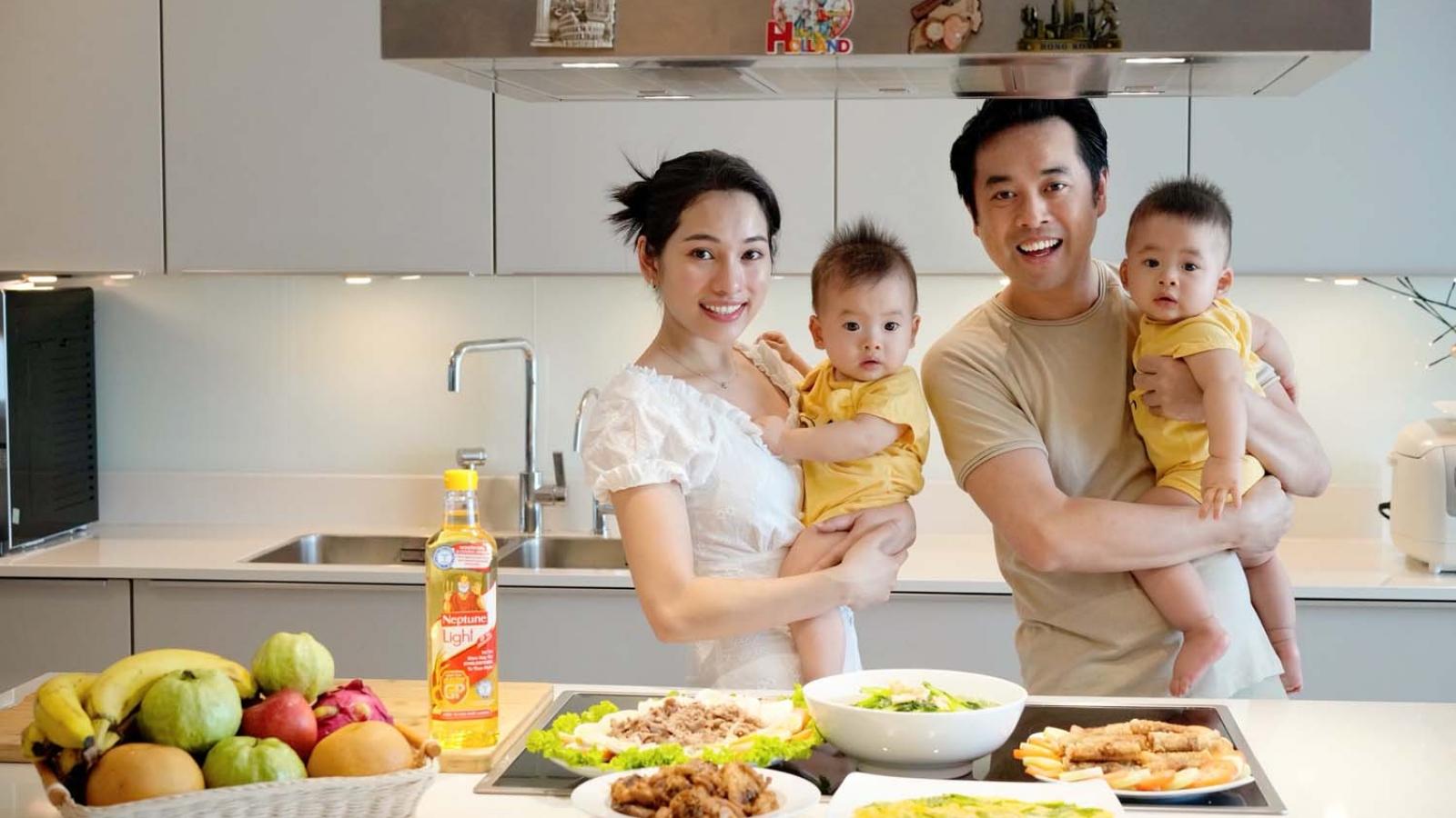 """Dương Khắc Linh khoe hai quý tử kháu khỉnh trong chương trình """"Ở nhà vui mà"""""""