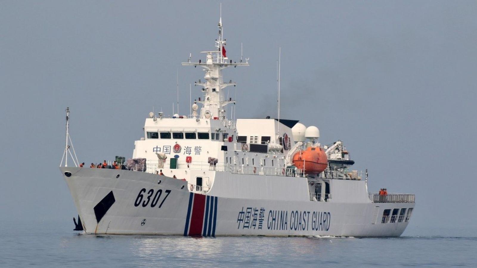Chuyên gia quốc tế: Trung Quốc đừng mong thực hiện kiểm soát đi lại ở Biển Đông