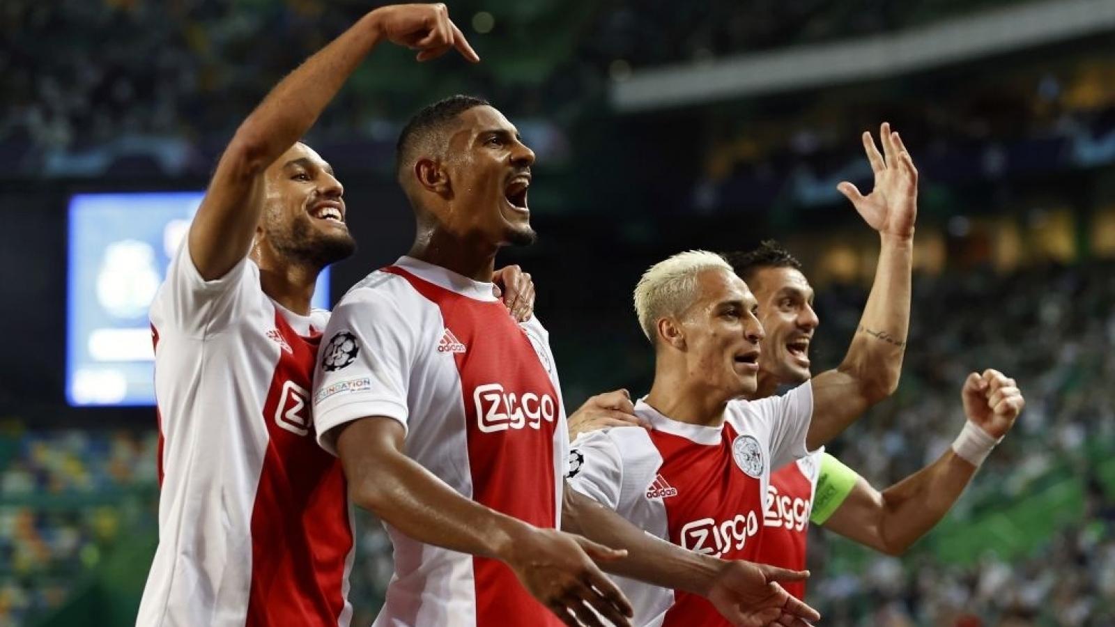 """Cầu thủ Ajax lập """"poker"""" ngày ra mắt Champions League"""