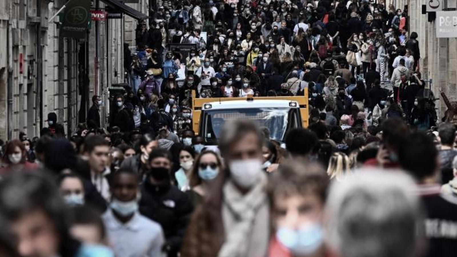 Kinh tế Pháp phục hồi mạnh nhờ chiến dịch tiêm vaccine ngừa Covid-19