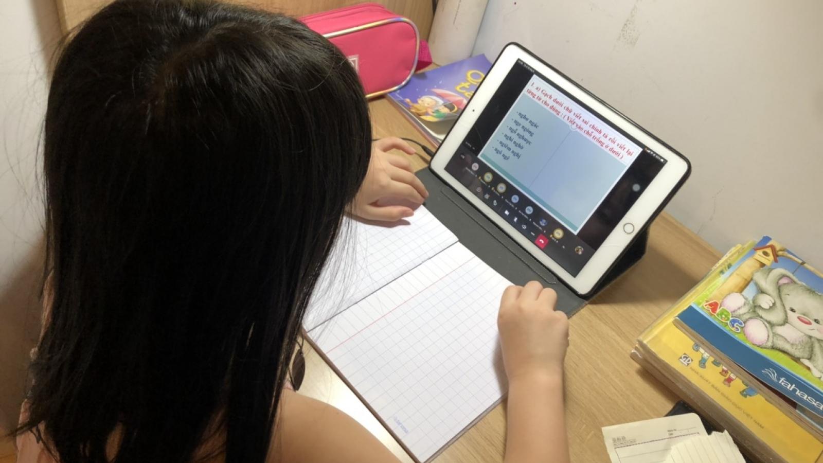 Dạy và học trực tuyến ở Đà Nẵng gặp nhiều khó khăn