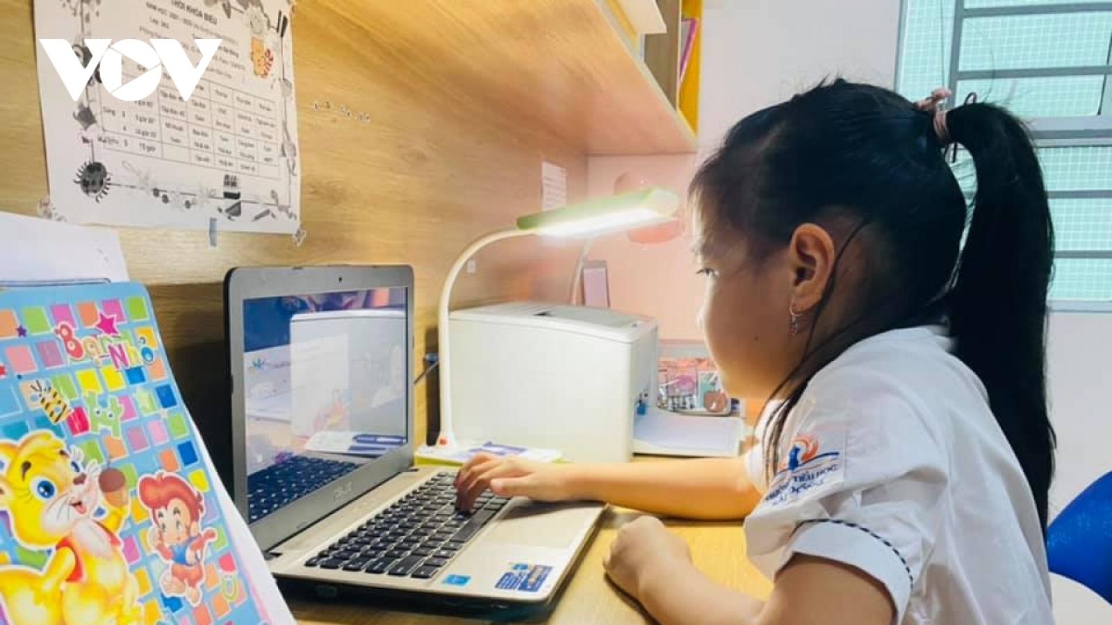 Hà Nội đề nghị đảm bảo đường truyền Internet để dạy và học trực tuyến