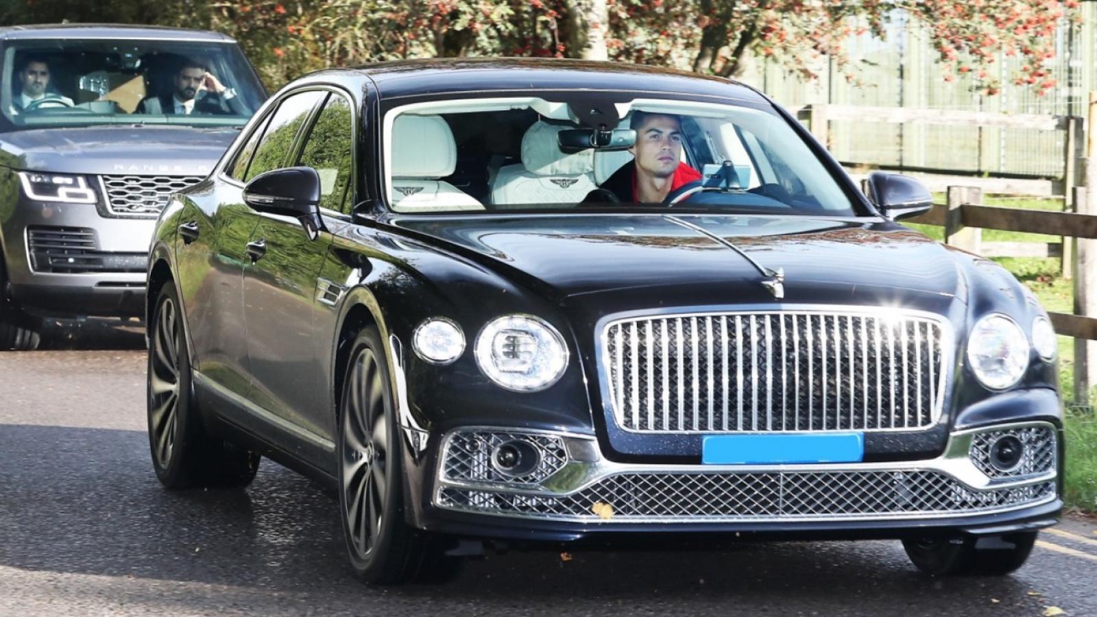Ronaldo cầm lái Bentley Flying Spur trị giá gần 300.000 USD