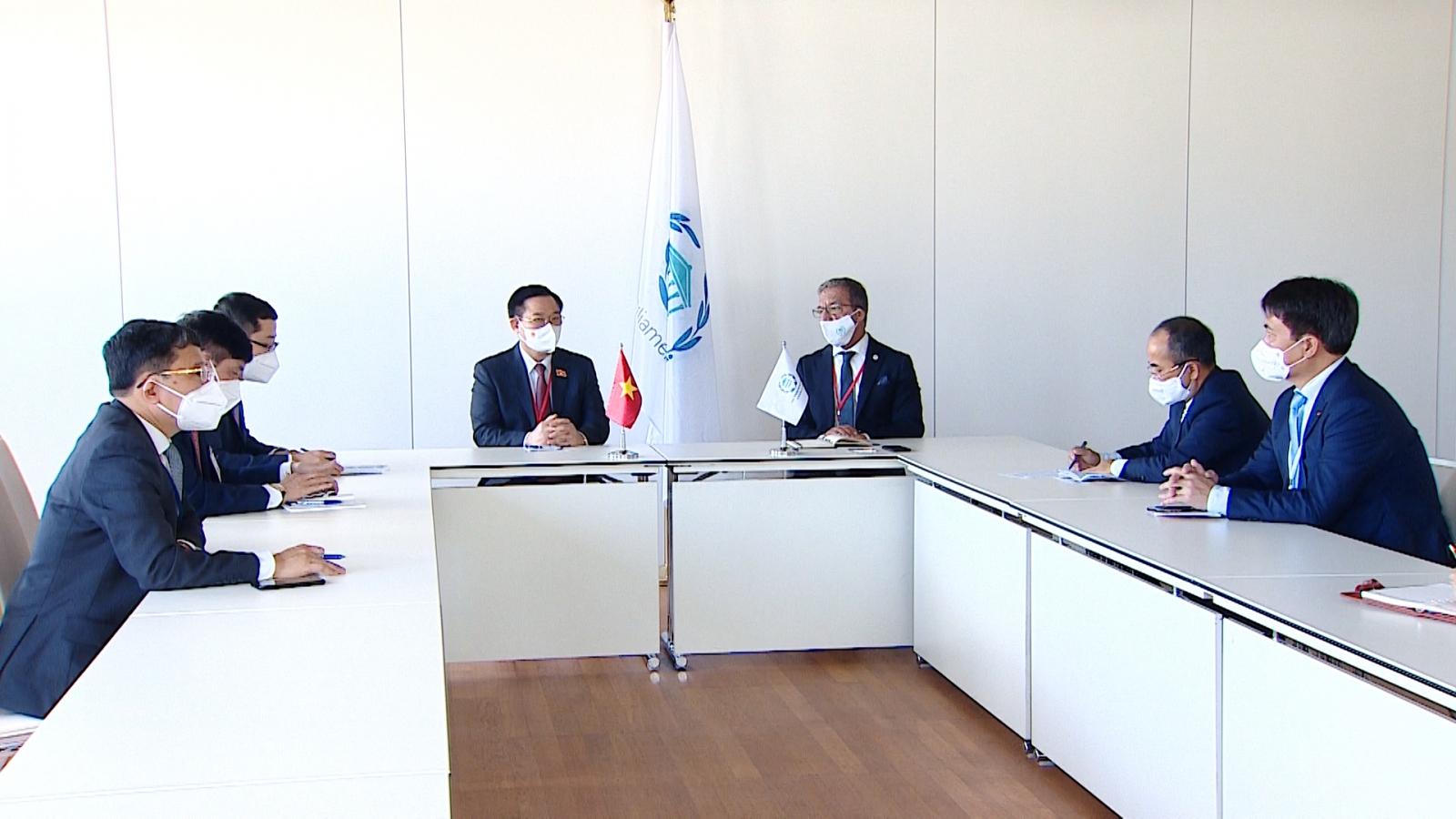 Chủ tịch Quốc hội Vương Đình Huệ gặp Chủ tịch Liên minh Nghị viện thế giới Duarta Pacheco