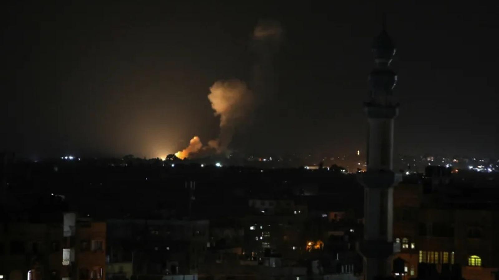 Israel không kích Gaza để trả thù các vụ phóng tên lửa