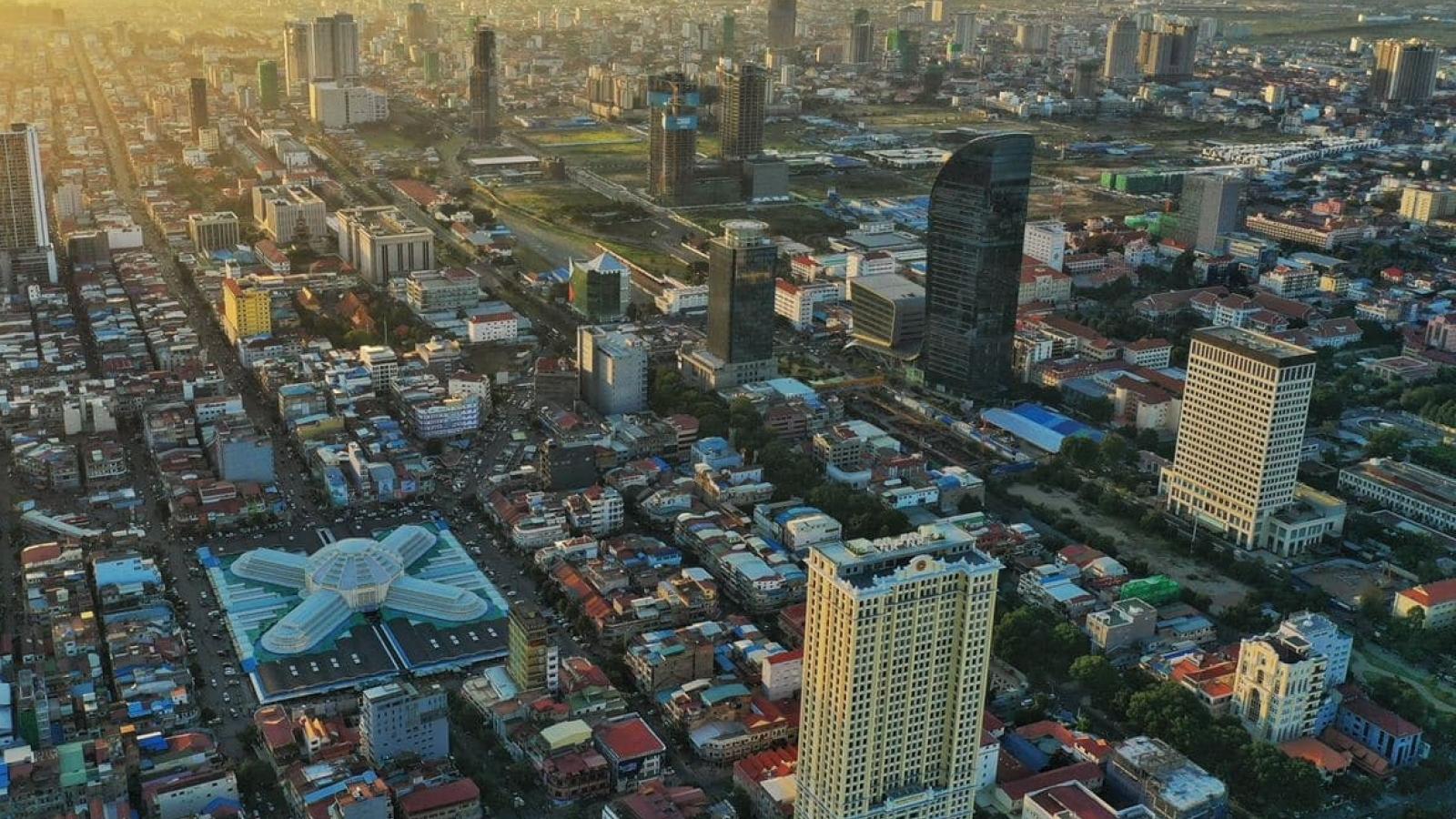 ADB hạ dự báo tăng trưởng kinh tế Campuchia còn 1,9% năm 2021