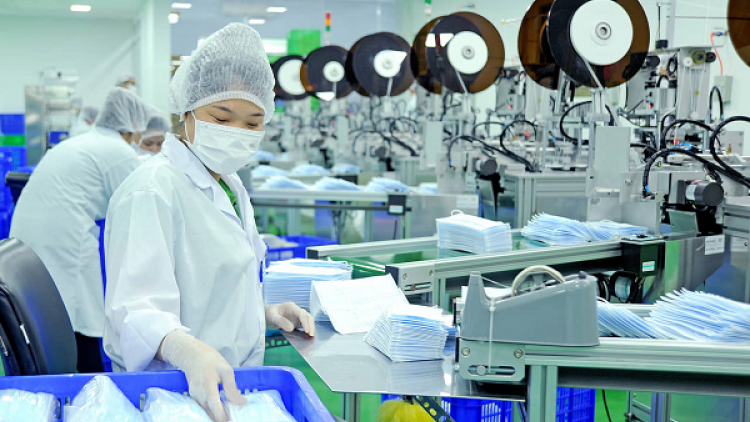 Vietnam exports over 305.6 mln medical masks in eight months