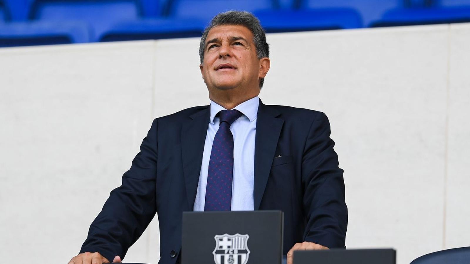 Chủ tịch Laporta kêu gọi CĐV Barca kiên nhẫn sau trận thua Bayern Munich
